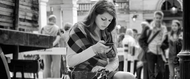 Draguer et séduire par sms, ça ne fonctionne que dans les pubs ? Par Simon