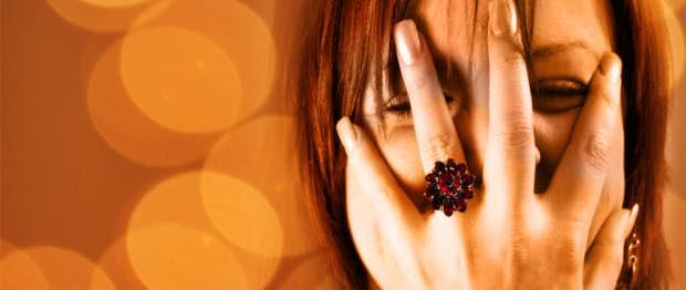 7 raisons de fuir les filles timides à tout prix
